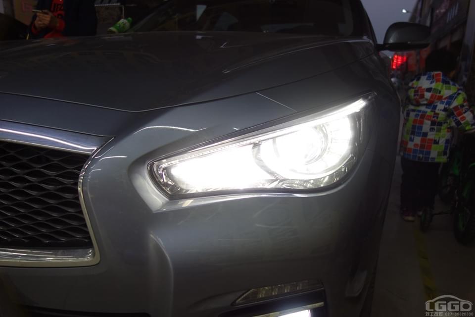 英菲尼迪Q50L升级原厂高配大灯总成