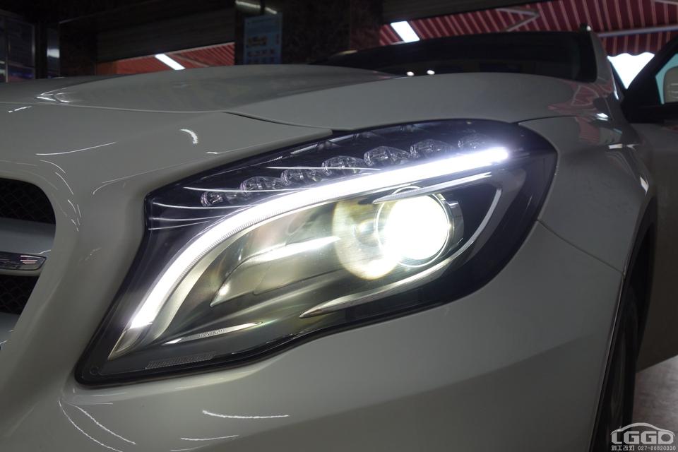 武汉奔驰GLA200换原厂大灯总成