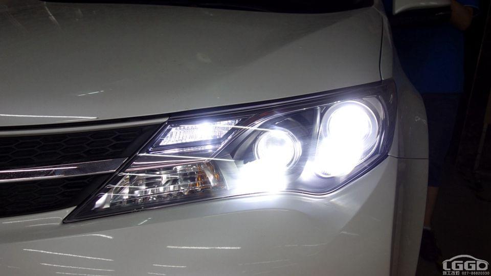 丰田RAV4改LED4透镜