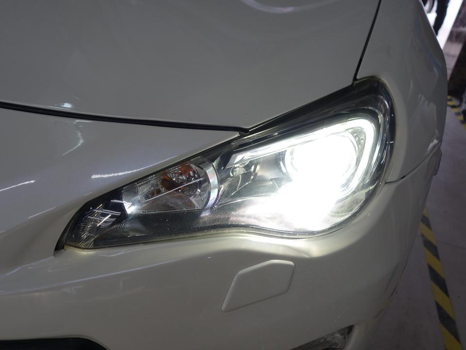 斯巴鲁BRZ大灯改装升级、阿帕海5双光透镜+欧司朗款45W安定器+欧司朗CBI卓越蓝氙灯