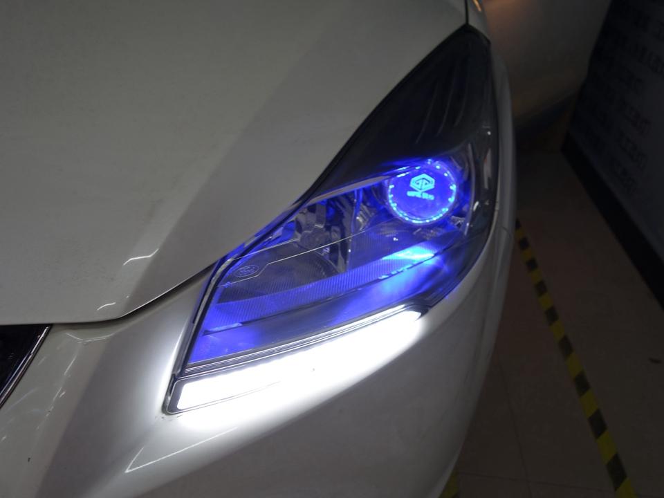 福特翼虎原车灯不亮改阿帕6PIus套装