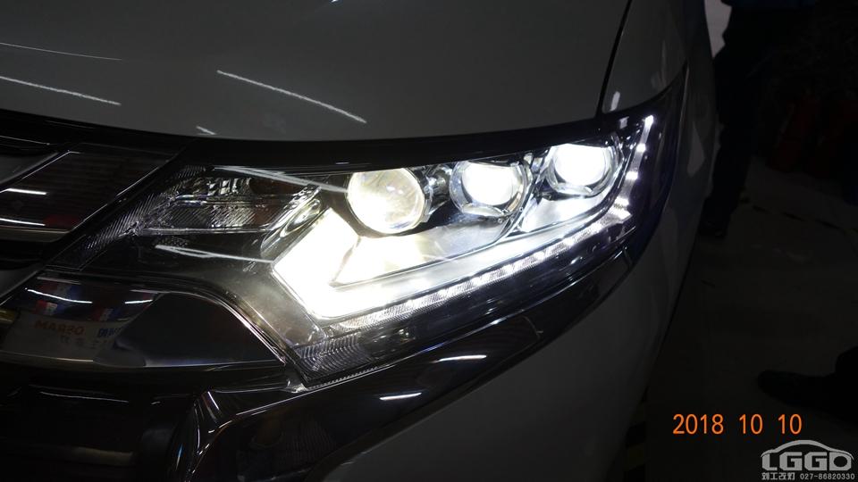 三菱欧蓝德原车大灯不亮升级阿帕6S套装