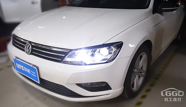 大众凌度改灯,改装阿帕V5套装,大大改善车灯亮度