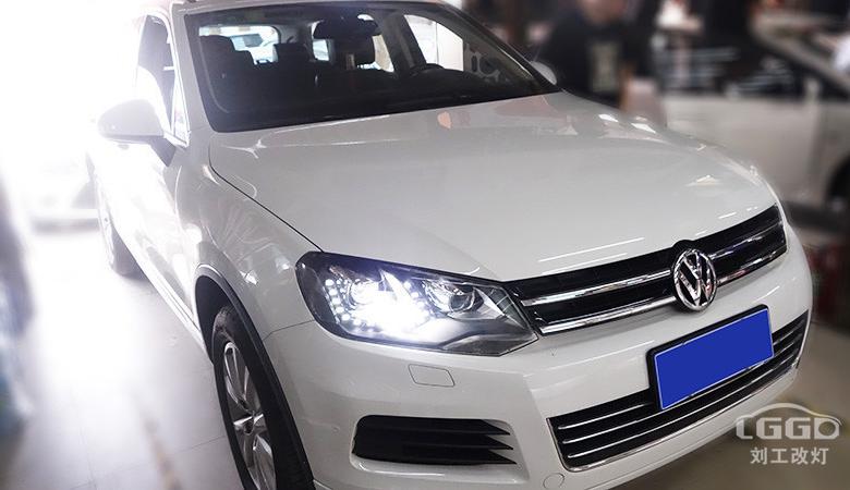 途锐改灯,车灯昏暗改装阿帕V5套装,保障行车安全