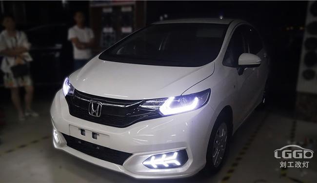 本田飞度亮度太低,高速不敢开快车,升级阿帕2A让灯光不再是问题