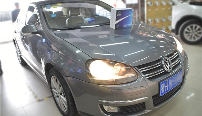 卤素大灯改LED,速腾原车卤素灯改装超世界LED双光透镜!