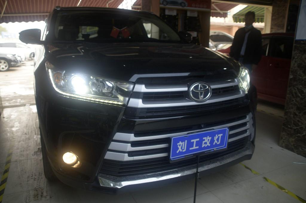 丰田汉兰达升级欧司朗CBI LED双光透镜