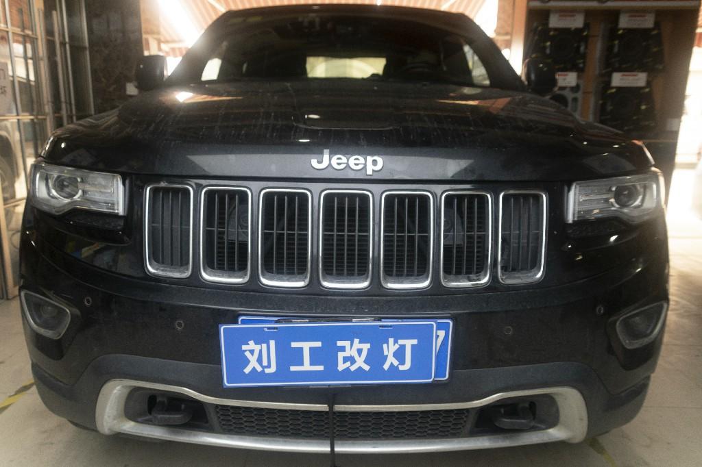 JEEP大切诺基车灯改装升级LED双光透镜,外观无变化