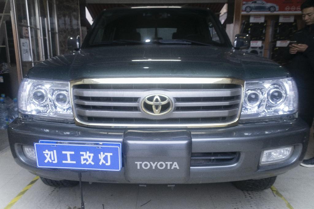 老款丰田兰德酷路泽车灯改装升级两套LED双光透镜,四近四远